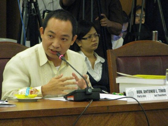 Representative Antonio L. Tinio during budget deliberations in the House of Representatives in 2010 (photo by Fred Dabu)
