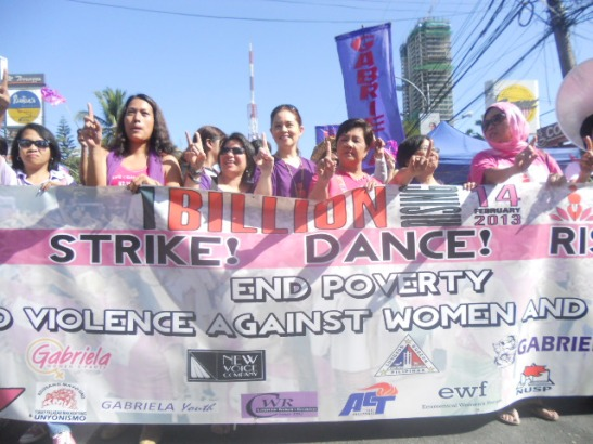 Women from Gabriela calling for an end to violence against women and an end to the Visiting Forces Agreement, in Quezon (photo courtesy of Gabriela).