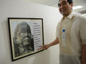 Andres Bautista has called on martial law victims to drop their lawsuit claims against former president Marcos (photo by photo by Ted Aljibe).