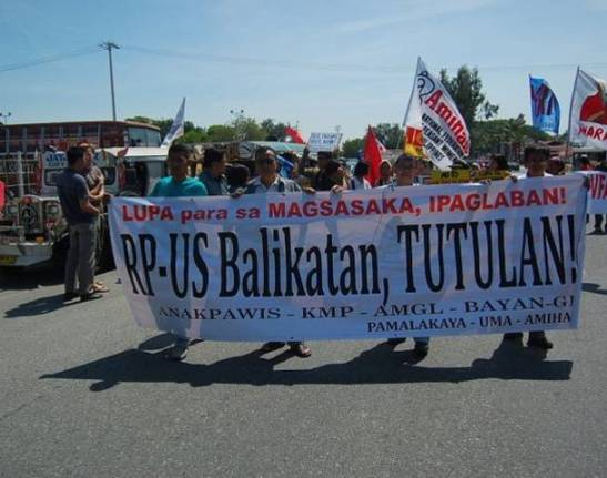 Peasants protesting the Balikatan exercises back in 2011 (photo courtesy of Tudla Productions).