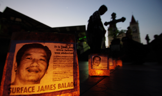 Candlelight vigil for James Balao (photo by Richard Balonglong).
