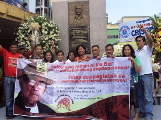 Family, friends, supporters, and workers in front of Ka Bel's memorial in Manila (photo by Marya Salamat/Bulatlat).