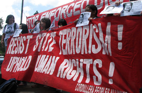 Indigenous community organizers protesting against state terrorism in their communities back in 2009 (photo courtesy of Cordillera Human Rights Alliance).