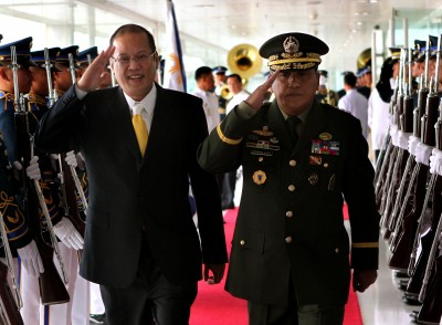 General Noel Coballes, with president Noynoy Aquino, at Ninoy Aquino International Airport in November.