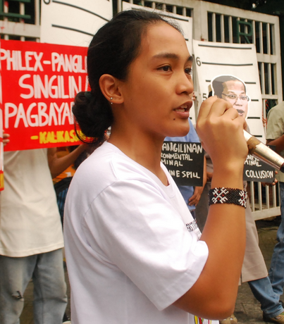 KAMP spokesperson Piya Macliing Malayao speaking at a recent protest in front of the Department of Environment and Natural Resources (photo by Soliman A. Santos/Pinoy Weekly).