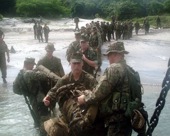 US Marines taking part in an amphibious landing exercise in Luzon during the previous Arroyo administration (photo courtesy of the US Navy).